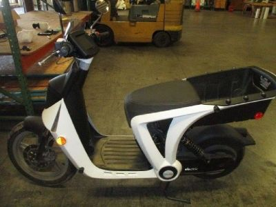 2017 GenZe 2.0e Electric Scooter
