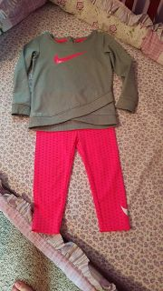 Nike toddler girls outfit size 24 Months $5