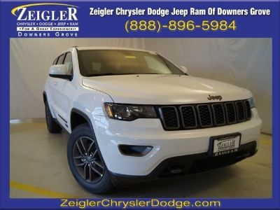 2017 Jeep Grand Cherokee Laredo (Bright White Clearcoat)