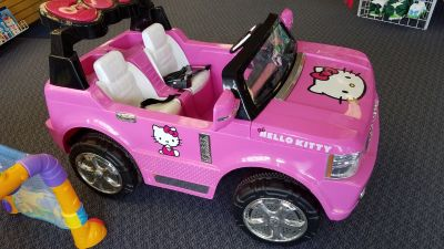 Hello Kitty electric light up car