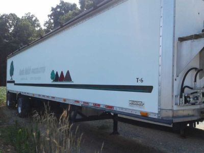 2003 Wilken Walking Floor Trailer for sale in Peach Bottom, Pennsylvania.