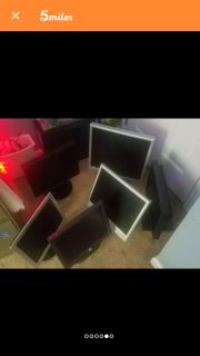 Multiple VGA and DVI monitors 5 or 6. All for $40.