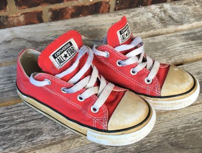 Converse sneakers- Toddler Size 9 - GUC