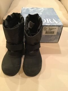Tundra Quebec boys winter boots...size 9