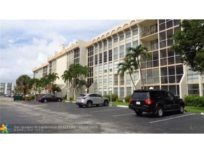 2 Bed 2 Bath Foreclosure Property in Hallandale, FL 33009 - Three Islands Blvd Apt 309