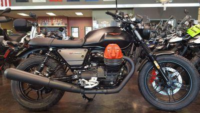 2018 Moto Guzzi V7 III Carbon Dark Standard/Naked Motorcycles Saint Charles, IL