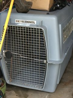X-large DOG KENNEL, EUC