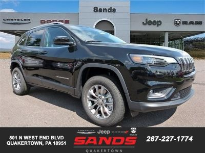 2019 Jeep Cherokee LATITUDE PLUS 4X4 (Diamond Black Crystal Paint)