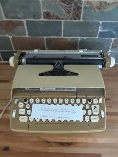 Smith Corona Coronet Automatic 12 Typewriter Excellent Working Condition