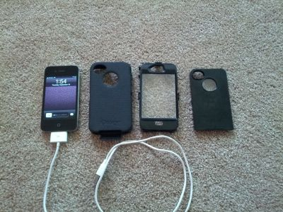 Like New IPhone 4 16GB - Verizon with Otterbox Case