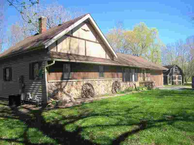 4425 Lakeshore RD Sheboygan Three BR, Town of ranch on wooded