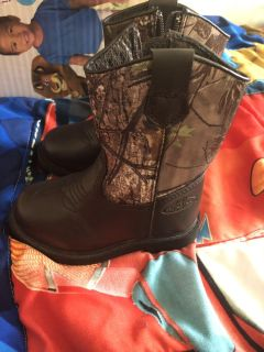 Team Realtree toddler boots