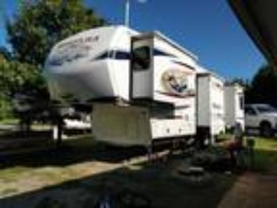 2012 Keystone MONTANA 3402RL 5TH WHEEL Trailer