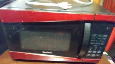 """""""WestBend"""" Microwave Oven, EUC"""