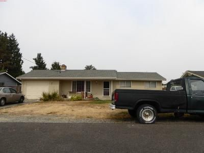 3 Bed 1 Bath Preforeclosure Property in Puyallup, WA 98371 - 6th Ave SW