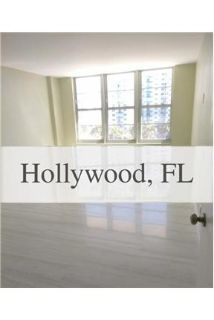 2 bedrooms Apartment - luxurious Building steps from the beach. Washer/Dryer Hookups!