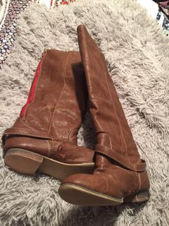 Breckelle s boots. Used. 8 1/2