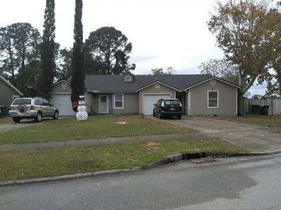 3 Bed 2 Bath Preforeclosure Property in Jacksonville, FL 32246 - White Horse Rd E
