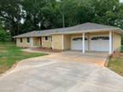Three BR Two BA In Mooresville NC 28117