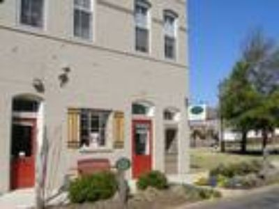 The Metropolitan & Greenlaw Place Apartments - Greenlaw One BR Townhouse