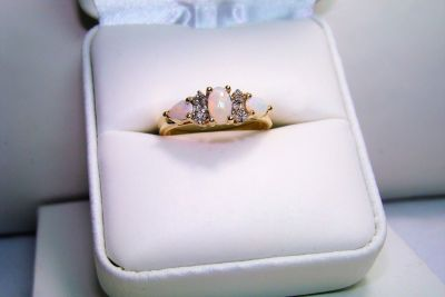 10K Yellow Gold Opal with Diamond Accents Ring Size 7