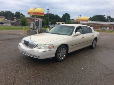 2003 LINCOLN TOWN CAR CARTIER L HARD TO FIND CAR