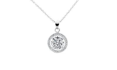 DAY OFF SPECIAL ***BRAND NEW***BEAUTIFUL Round Halo Stud Earrings & Pendant Set***