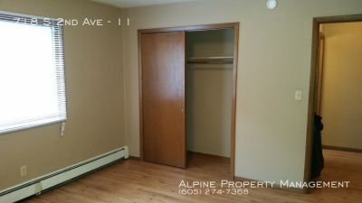Great 1 bedroom apartment close to downtown!