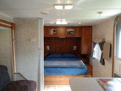 2006 Forest River Cherokee Grey Wolf 28A
