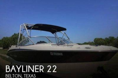 2011 Bayliner 235 BR