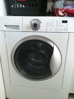 Frigidaire Front Load Washer-great!