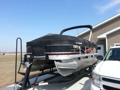 2014 18' SunTracker pontoon boat