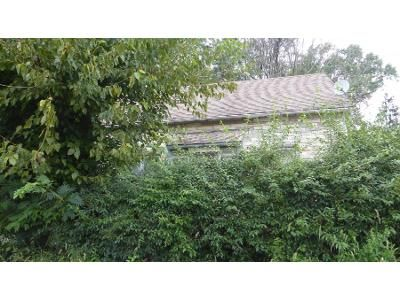 3 Bed 1.0 Bath Preforeclosure Property in West Grove, PA 19390 - W Summit Ave