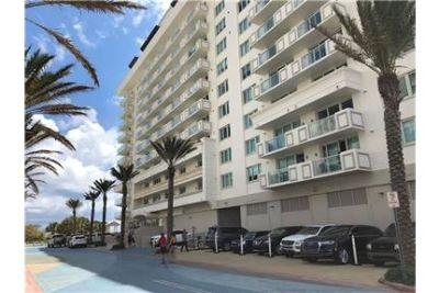 IMMACULATE FURNISHED APARTMENT IN THE HEART OF SURFSIDE.