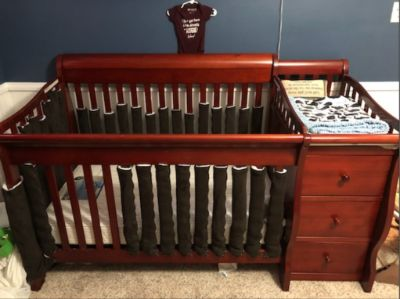 Crib and Mattress like new