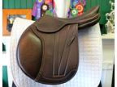 M Toulouse Brittany Platinum CC Jumping Saddle 175