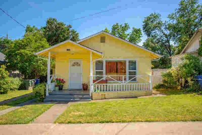 1089 South St REDDING Two BR, Classic Vintage California