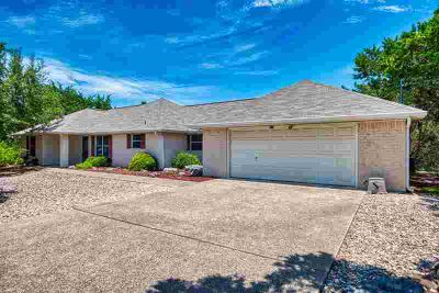 191 Fannin Dr KERRVILLE Three BR, Come see this beautiful home