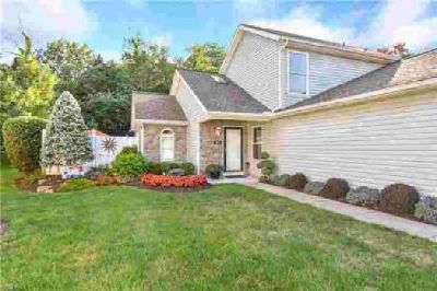 260 Westberry Tallmadge Three BR, Gorgeous condo in at the end of