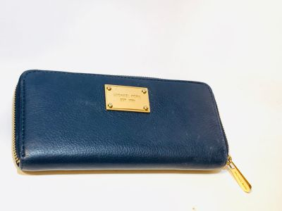Authentic Michael Kors Wallet Navy Blue $20 OBO