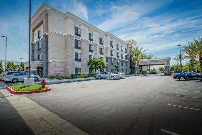 Hotel for Sale in Anaheim, California, Ref# 3873258