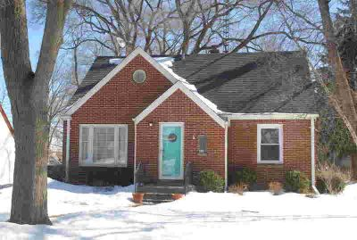 814 N 112th St Wauwatosa Three BR, This adorable cape cod in