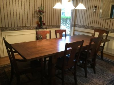 Pottery Barn Dining Table w/ 6 Chairs