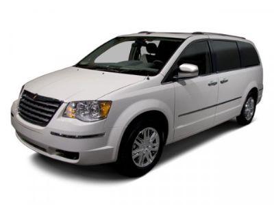 2010 Chrysler Town & Country Touring (Stone White)