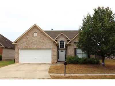 Preforeclosure Property in Sterrett, AL 35147 - Forest Lakes Cv