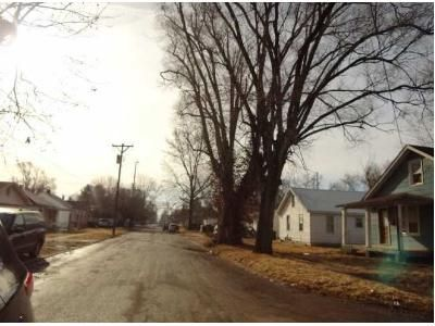 2 Bed 2 Bath Foreclosure Property in Elsberry, MO 63343 - N 3rd St