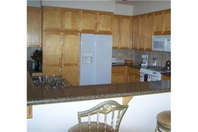 Lovely La Quinta, 3 bed, 2.75 bath. Parking Available!
