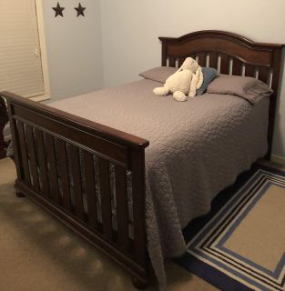 Simmons convertible bed and dresser