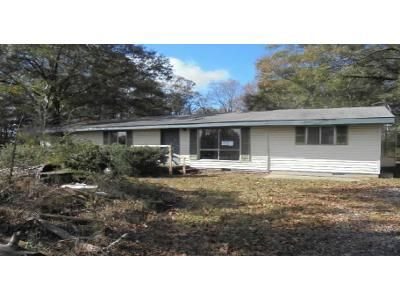 2 Bed 2 Bath Foreclosure Property in Bowman, GA 30624 - Fork Creek Rd
