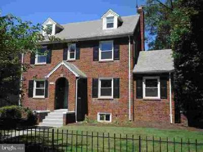 6403 40th Ave University Park Five BR, A big, nice house with